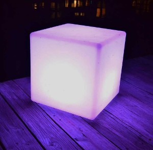 "24"" x 24"" 8 Color Lighted Cubes"